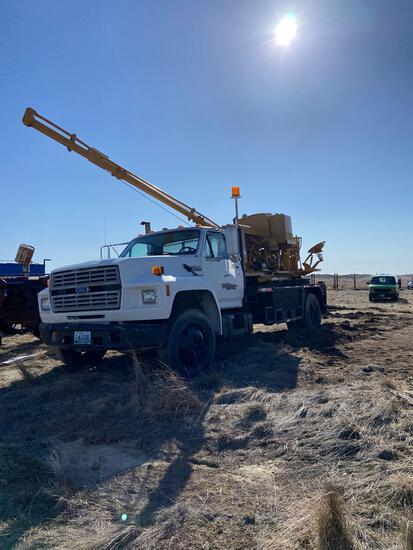 Half rig drilling truck 254 Texoma Ford 600 diesel