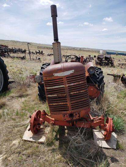 WD9 International Tractor
