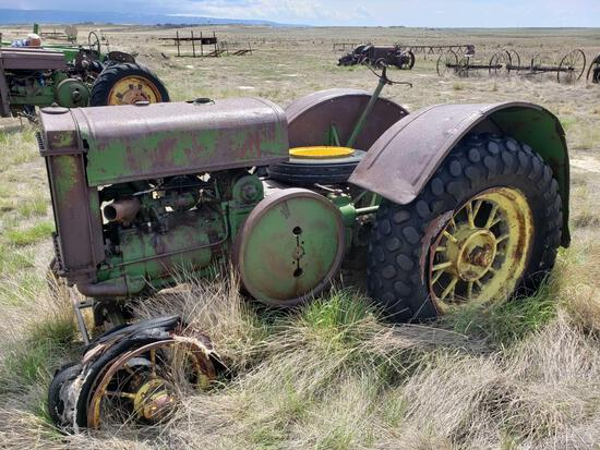 D John Deere Tractor