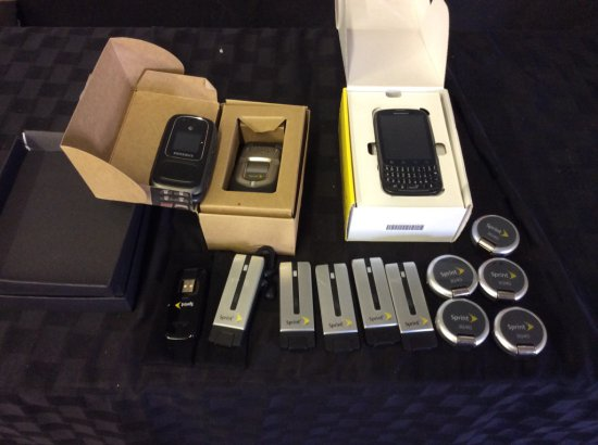 3 cell phones,sprint admiral,samsung,duraxt, 11 usb 3g 4g