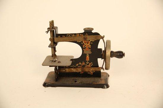 Miniature Sewing Machine Tin Germany