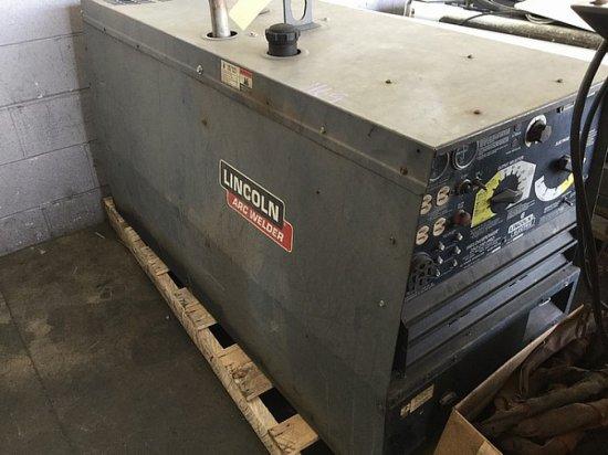 LINCOLN ARC WELDER -10K GENERATOR 250 D10 PRO