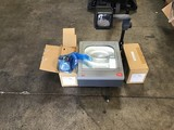 3M classroom projector with two replacement lamps