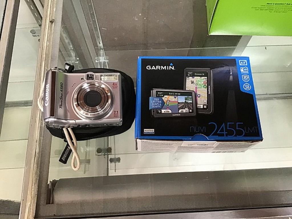 Garmin nüvi 2455lmt navigational system with canon Powershot A560 digital camera