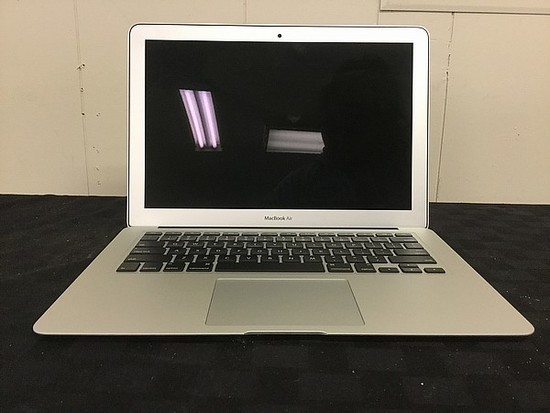 MacBook Air A1466 POSSIBLY LOCKED Hard drive possibly remove, some scratches, no charger