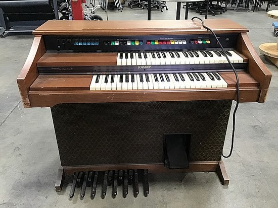 Lowrey brown mini organ