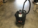 Dayton wet/dry vacuum
