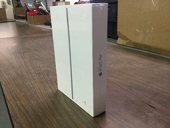 Ipad air 16GB A1566, new in unopened box