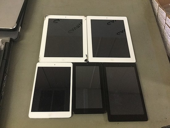 Amazon tablet,nook,3 ipads,models A1490,A1396 32gb,A1416 32gb, all possibly locked,some damage
