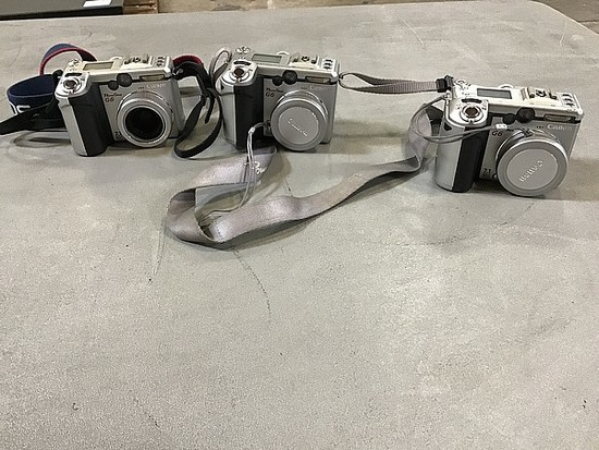 Three Canon powershot g6 cameras