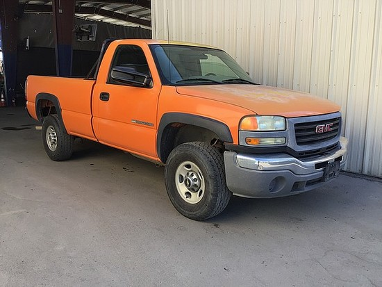 2005 GMC SIERRA 2500 HD
