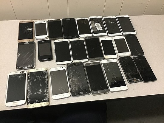 24 Cellphones possibly locked, no chargers, some damage Samsung, iphone,