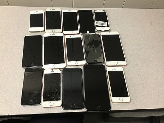 15 iPhones, possibly locked, some damage, Unknown activation status A1688,A1778,A1586,A1428,A1387,A1