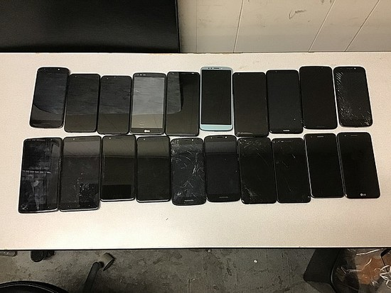 20 Cellphones, Motorola, LG, ZTE, Huawei possibly locked, some damage, Unknown activation status