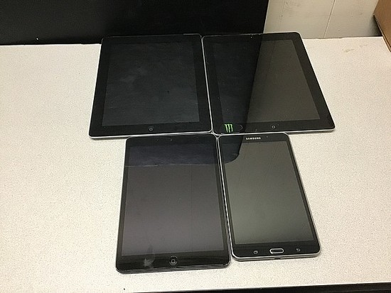 Tablets IPad A1459 A1416 32GB A1489, Samsung Possibly locked, Some damage, no Chargers