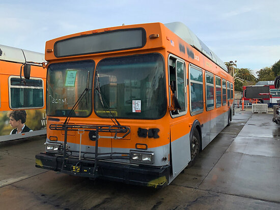 2000 NEW FLYER C40LF OFFSITE, DISMANTLER ONLY, 9am from Riverside, Inspection Friday 1/17 9-1pm MTA
