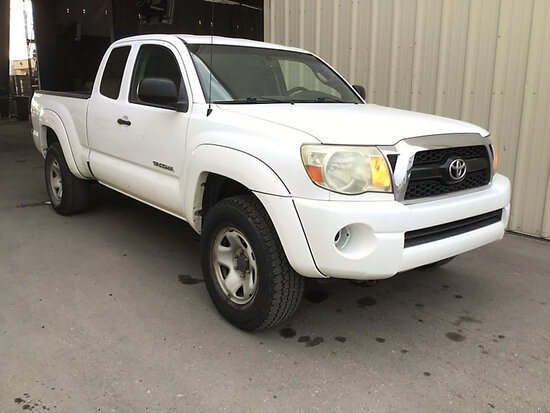 2011 Toyota Tacoma 4x4 Extended-Cab Pickup Truck