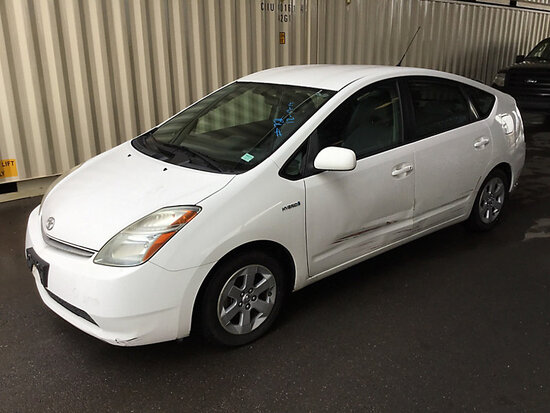 2007 Toyota Prius Hybrid 4-Door Sedan RUNS AND DRIVES, BODY AND PAINT DAMAGE TO DRIVER SIDE