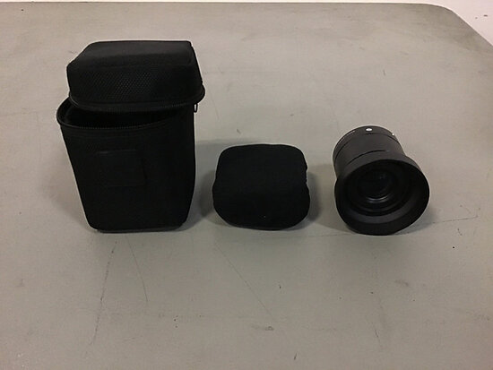 Camera lens (Used ) NOTE: This unit is being sold AS IS/WHERE IS via Timed Auction and is located in