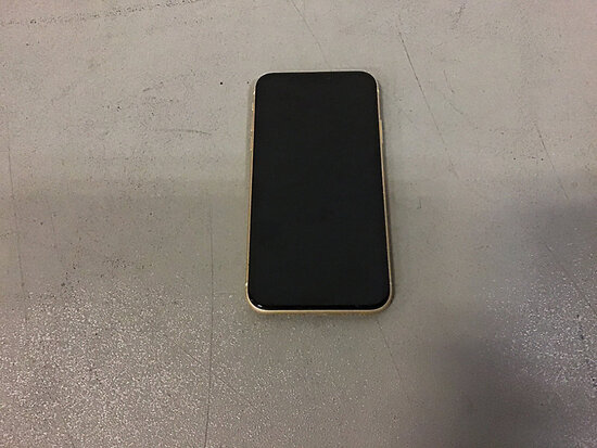 Yellow IPhone XR (Used/ condition unknown ) NOTE: This unit is being sold AS IS/WHERE IS via Timed A