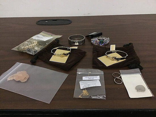 Assorted jewelry (Used/New) NOTE: This unit is being sold AS IS/WHERE IS via Timed Auction and is lo