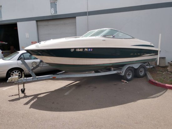 22ft Maxum 2100SC Cuddy Cabin Boat With Trailer