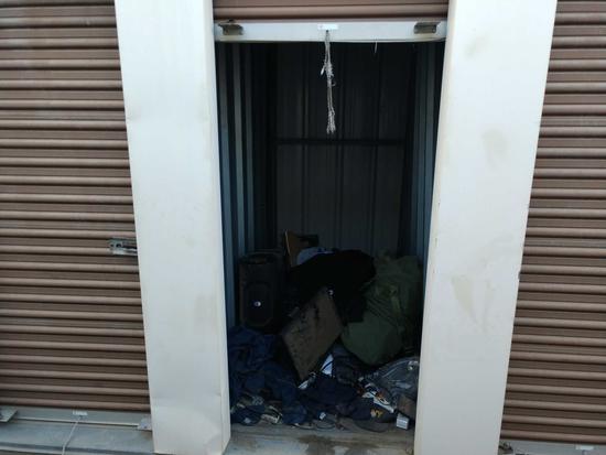 Entire Contents Of X 4ft X 4ft Storage Unit Door Number 51-t3