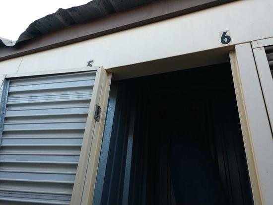 Entire Contents Of X 4ft X 4ft Storage Unit Door Number 23-b6
