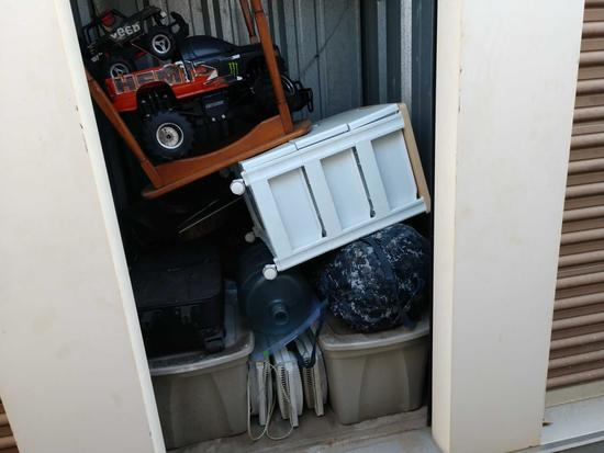 Entire Contents Of X 4ft X 4ft Storage Unit Door Number 43-a3