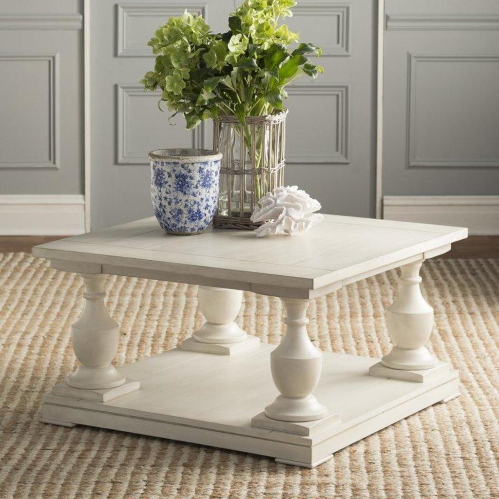 NEW Rosecliff Heights Warwick Sandalfoot Coffee TableReatil Pr