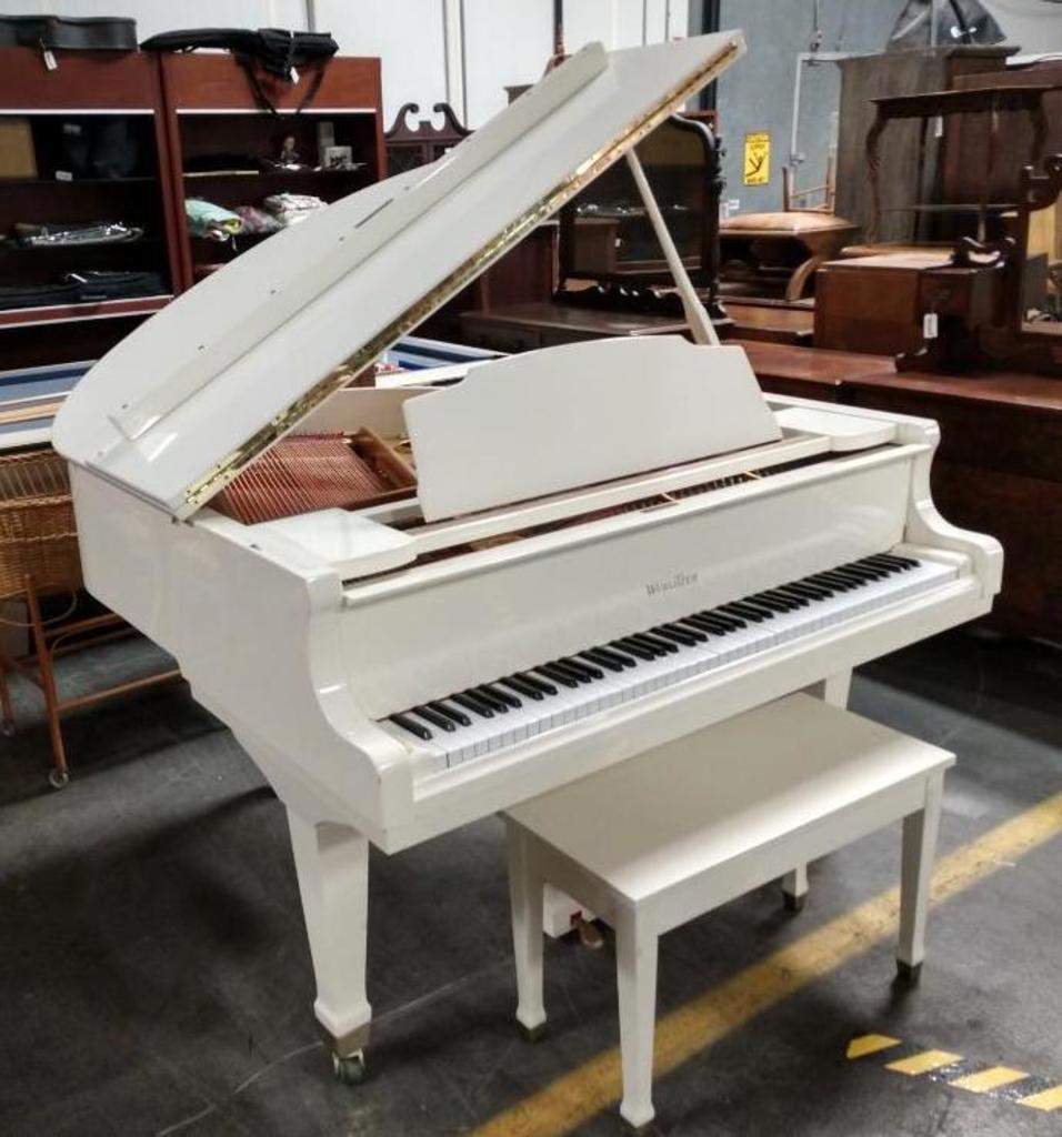 Wurlitzer G-411 Baby Grand Piano