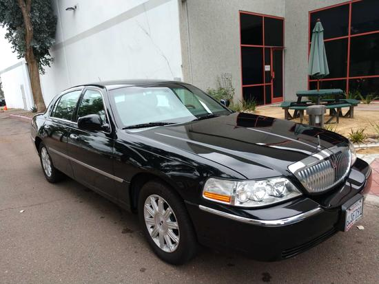 2009 Lincoln Town Car Signature Limited Edition