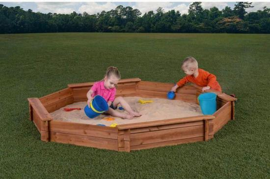 NEW Creative Cedar Designs Sandbox