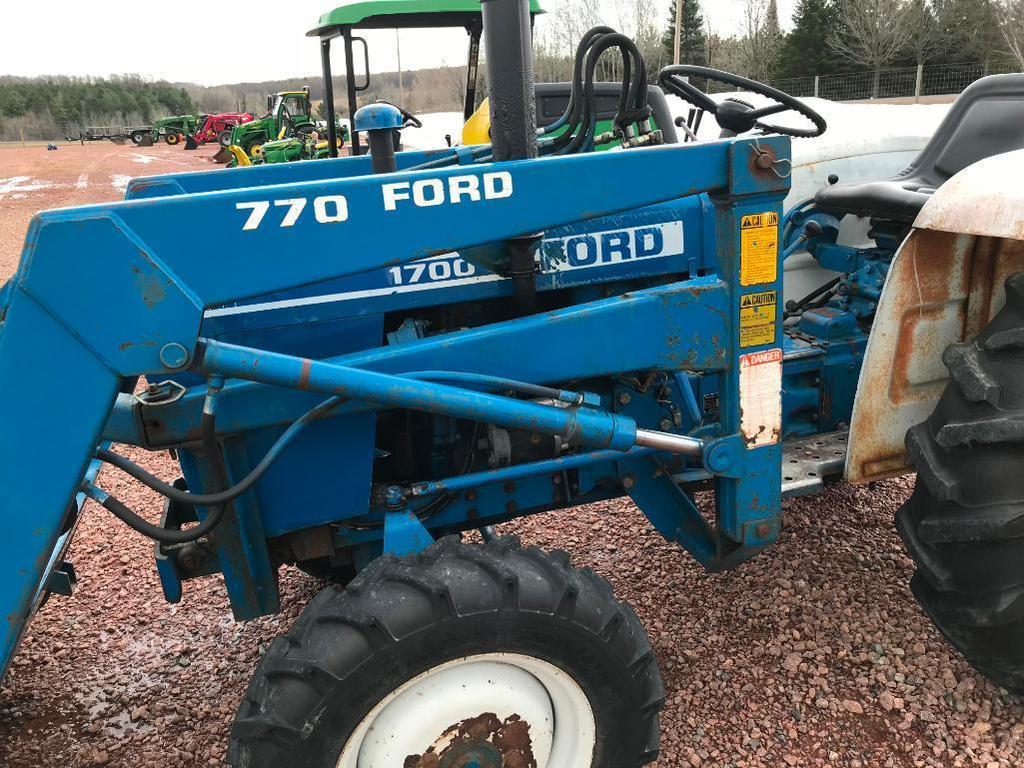 Lot: Ford 1700 compact tractor
