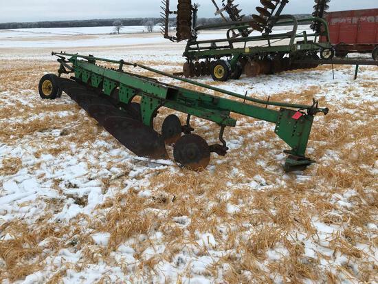 """John Deere 1450 6-bottom 16"""" semi mount plow."""
