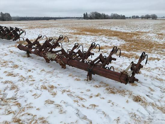 Noble 6-row 3pt cultivator.