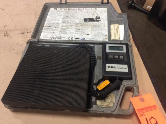 Electronic 9010A refrigerant scale.