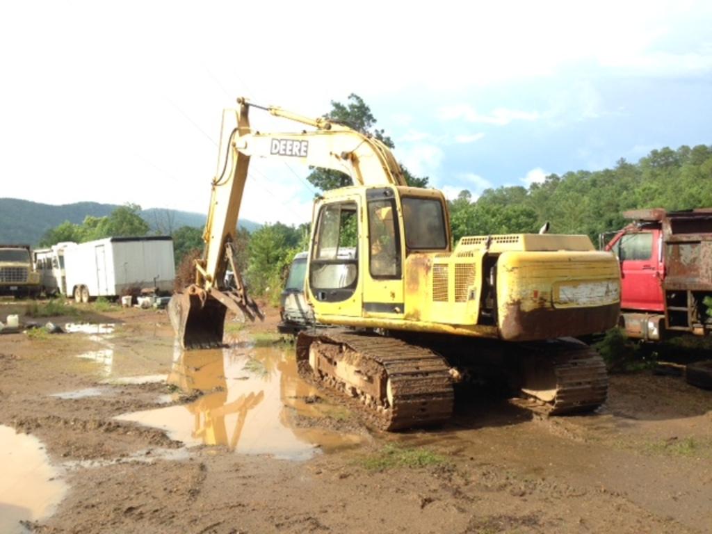 JD Trackhoe / Excavator