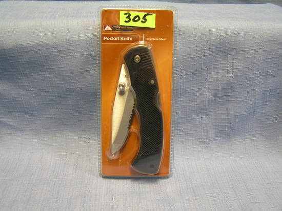 Ozark trail pocket knife mint in package