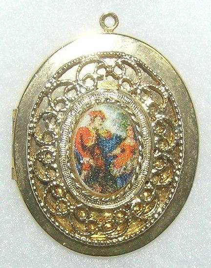 Vintage Victorian style locket