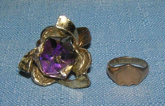 Pair of vintage rings