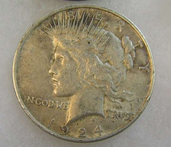 1924 Peace silver dollar in very good condition