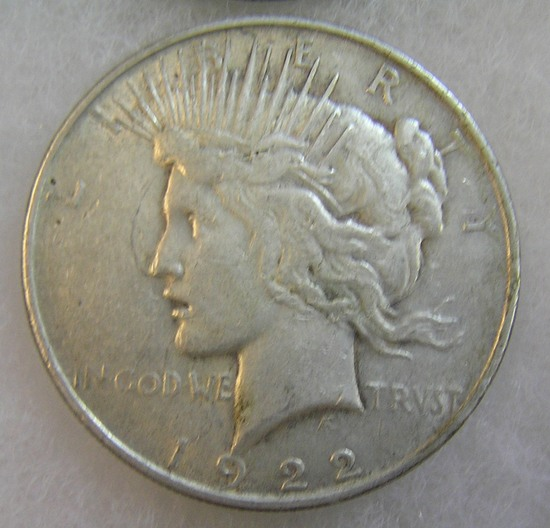1922 Peace silver dollar in very good condition