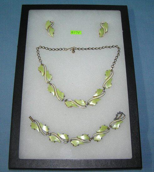 Vintage Lucite necklace, earring and bracelet set
