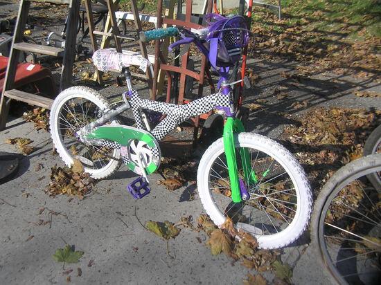 Magna girl's bike