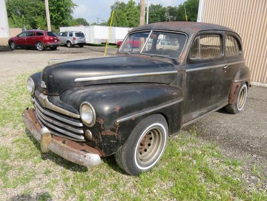1948 Ford 2 Door Super Deluxe