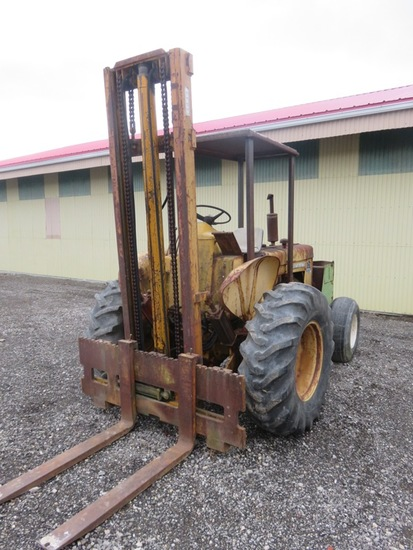 International 5614 Forklift