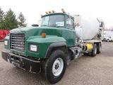 1997 Mack RD690S Mixer Truck