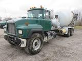 2000 Mack RD690S Mixer Truck