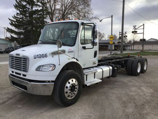 2013 Freightliner M2106 Cab & Chassis